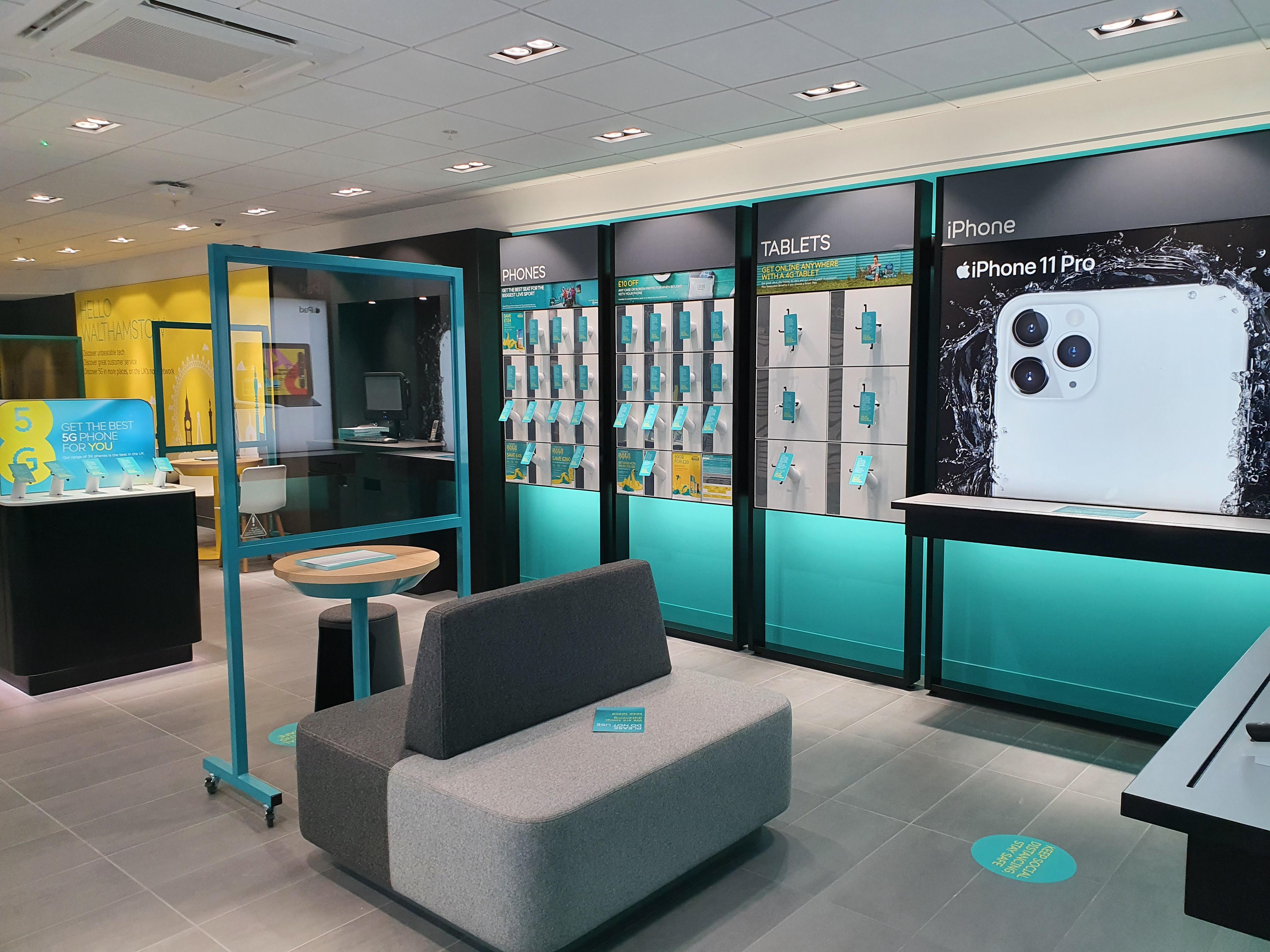 EE Walthamstow commercial decorators cmc decorators